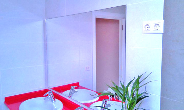 Revestimiento de cristal para baños