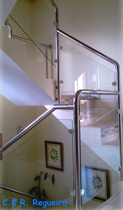 Barandillas de aluminio y cristal de seguirdad para viviendas en Cangas Pontevedra