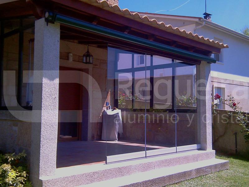 Instalación de paredes móviles en Cangas de Morrazo